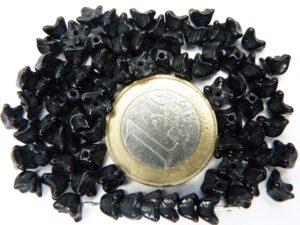 0010046 Zwart kelkvormig bloemetje 75 Pc-0