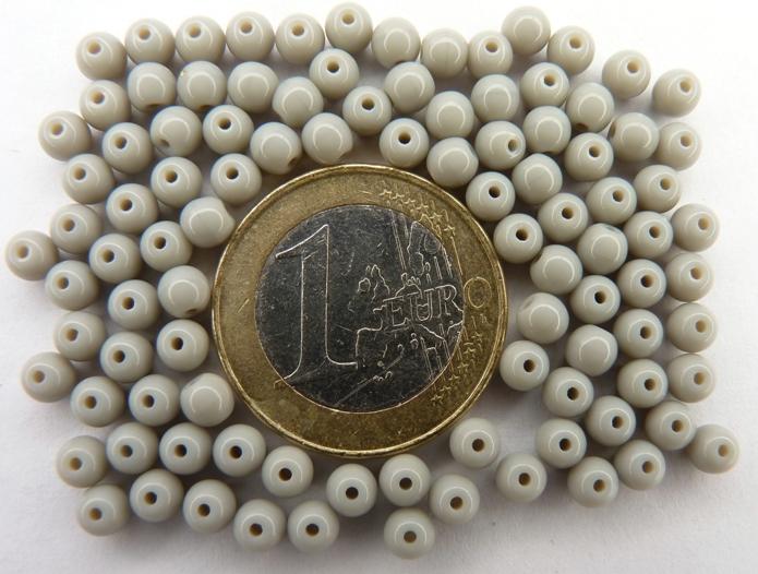 04-R-43010 Opaque Grey round 4 mm. 100 Pc.-0