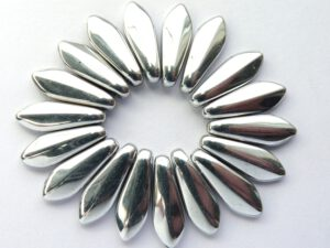 0020087 Daggerbeads Crystal met full Silver 16 x 5,5 mm. 18 st-0