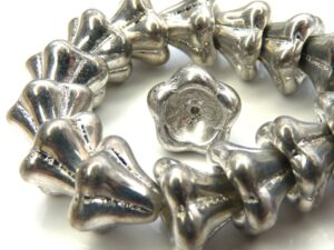 0020091 Full Silver kelkvormige bloem. 13 x 11 mm. 9 stuks-0