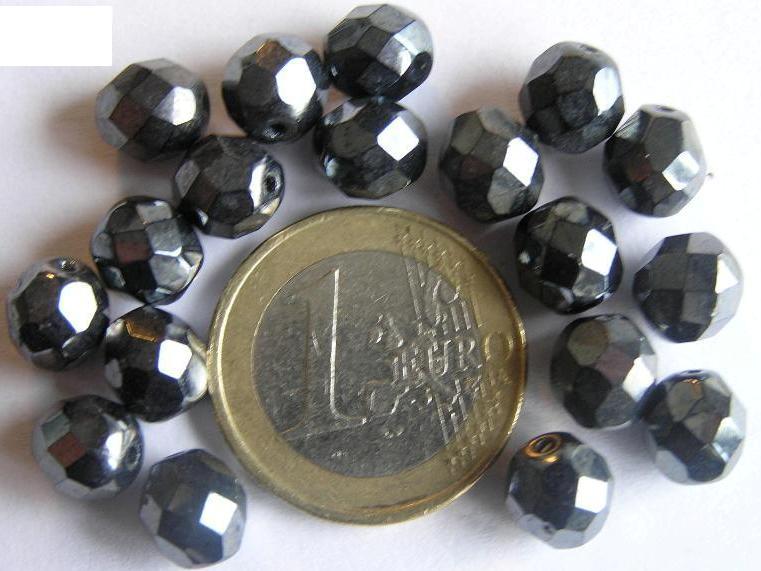 0020252 Hematietkleurig facet geslepen 8 mm. 15 Pc.-0