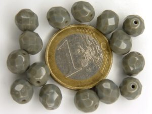 0020271 Opaque dark Gray facet 8 mm. 10 Pc.-0