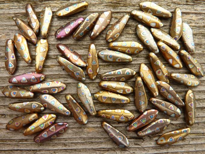 0030075 Daggerbead Copper Matte Metallic met Peacock 16 x 5,5 mm-0