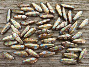 0030076 Daggerbead Matte Copper Metallic met Peacock( rond) 16 x-0