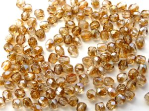 0030242 Crystal met Celsian facet 3 mm.-0