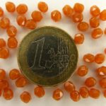 0030255 Milky Caramel facet 4 mm.-0