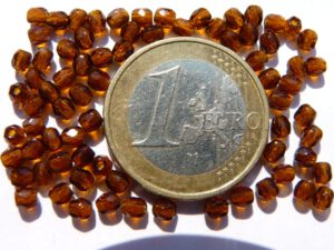 0030281 Dark Topaz facet 3 mm.-0
