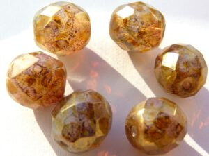 0030300 White Opal Golden Green Terracotta facet 10 mm. 6 Pc.-0