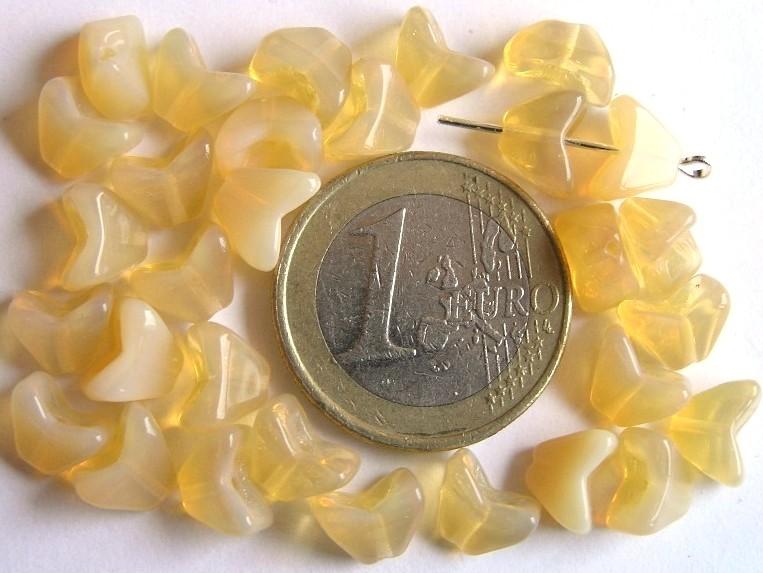 0040009 Opaalachtig beige tandvormig.-0