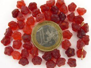 0050051 Mat rood kelkvormig bloemetje.-0