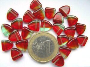 0050054 Rood driehoekig met iets aqua.-0