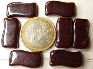 0050053 Dark Opaque Red met Hematite. 6 stuks-0