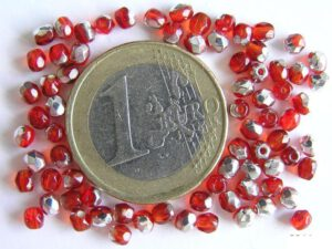 0050204 Light Siam ( rood)facet met half zilverkleur 3 mm-0
