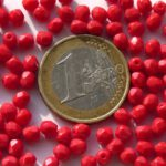 0050268 Opaque Red Facet 4 mm. 50 Pc.-0