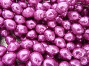 0070065 Fuchsia nugget ruwe glasparels-0