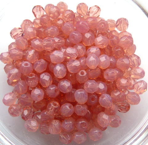 0070342 Opaalroze facet 4 mm.-0