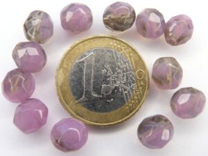 0080609 Opal paars met Black diamond facet 8 mm.-0