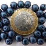0090071 Metallic Suede Dark Blue round 6 mm. 30 Pc.-0