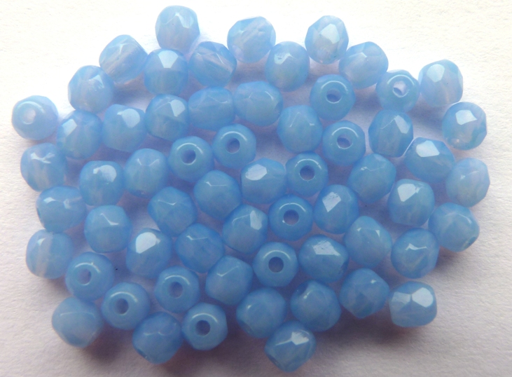 0090117 Milky Sapphire facet 3 mm.-0