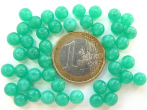 0100050 Opal Emerald Green round 6 mm. 50 stuks-0