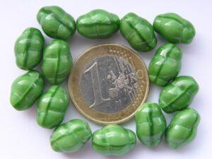 0100124 Leuke opaque groene kraal-0