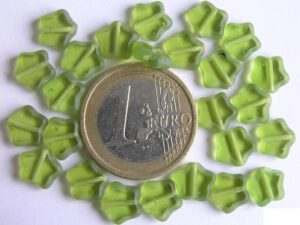 0100147 Groen sterretje Table cut-0