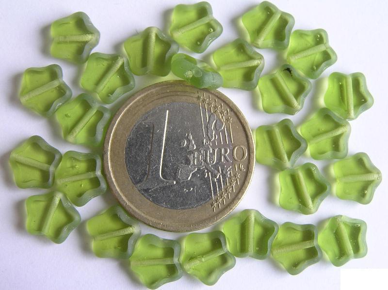 0100147 Groen sterretje Table cut-0