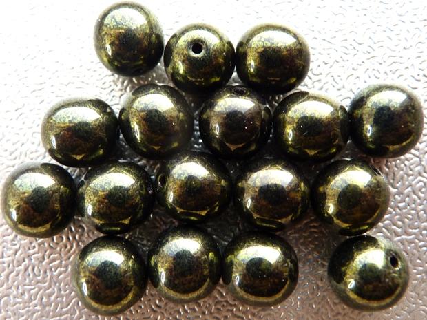0100169 Dark green metallic round 10 mm. 17 Pc.-0