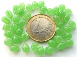 0100173 Green Opal Drops 7 x 5 mm. 40 Pc.-0