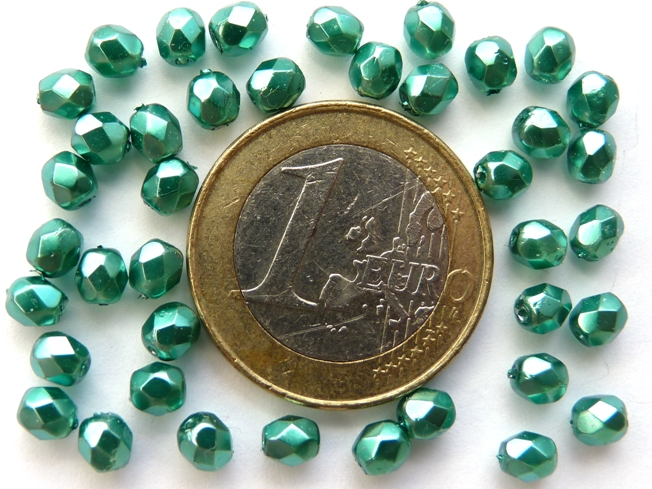 0100481 Turquoise Green Metal coated Facet 4 mm. 40 st.-0
