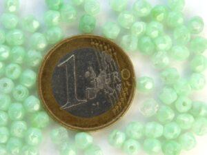 0100358 Silk Peridot Moonlight facet 3 mm. 60 Pc.-0