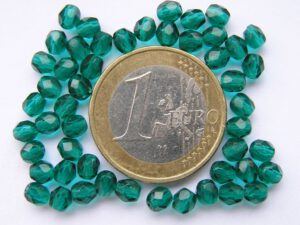 0100372 Emerald groen facet 4 mm.-0