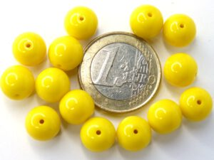 0130003 Opaque Yellow 10 mm. 14 Pc.-0