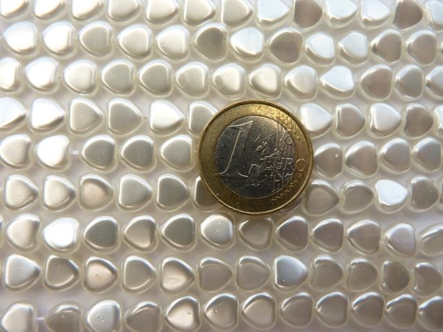 0140011 Wit Parel hartje. 35 Stuks-0