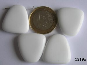 0140038 Grote witte afgeronde driehoek-0