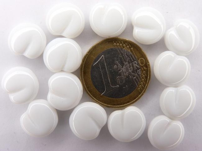 0140057 Witte Platte appel 12 x 11 x 6 mm. 14 st.-0