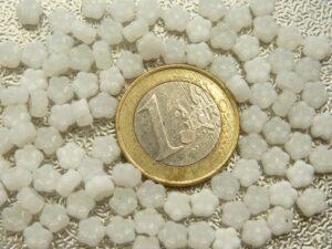 0140117 White Opal bloemetje 100 St.-0