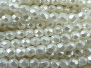 0140235 White Pearl Facet geslepen 6mm. 25 stuks-0