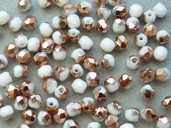 0140238 Chalk White Capri Gold Facet 4 mm. 40 st.-0