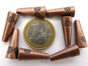 0160075 Red Copper Tibetan Style Eindkap 20 x 8 mm. 8 St.-0