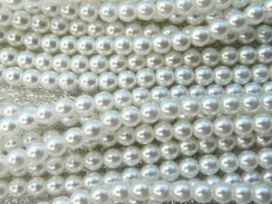 04-132-19001-70400 Shiny Bright White Glass Pearl 4 mm. 120 Pc.-0
