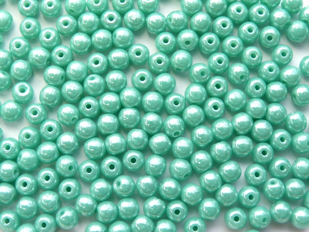 04-R-63120-14400 Opaque Green Turquoise Lustered round 4 mm. 90 Pc.-0