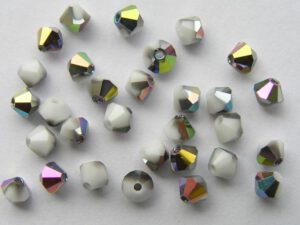 04-MC-03000-28136 Bicone, Chalk White half Vitral 4 mm. 50 Pc.-0