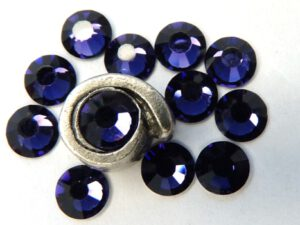 0900213 M.C. Chaton rose ss 20 Deep Tanzanite-0