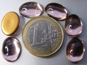 Cab-2002 Light Amethyst Oval Goldfoiled 14x10 mm.6 stuks-0