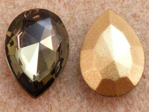 40010-Pe Pearshape, Black Diamond Gold Foiled 18 x 13 mm.-0