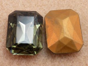 40020-Oc Octagon Black Diamond Gold Foiled 25x18 mm-0