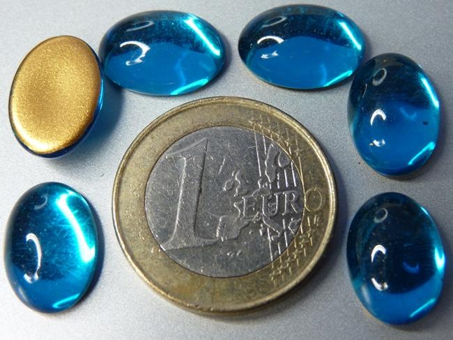 Cab-6003 Capri Blue Oval Goldfoiled 14 x 10 mm. 6 stuks-0