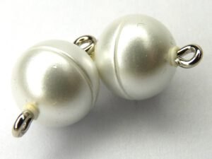 Acryl Magnetic Clasp: Wax White 10 mm.-0