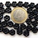 0010044 Zwart plat bloemvormig. 30 Pc.-0